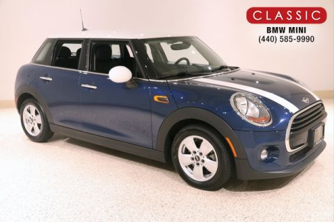 Pre-Owned 2017 MINI Hardtop 4 Door HB